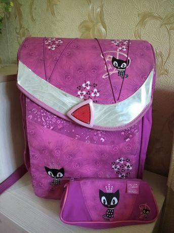 Школьный портфель, рюкзак, ранец