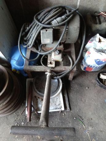 Silnik 7.5 kw z wozkiem pasek