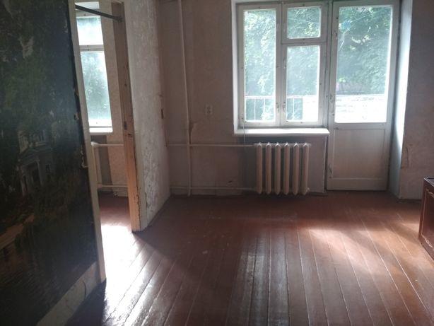 Продам квартиру на Шахтарському мік-ні на 2-му поверсі