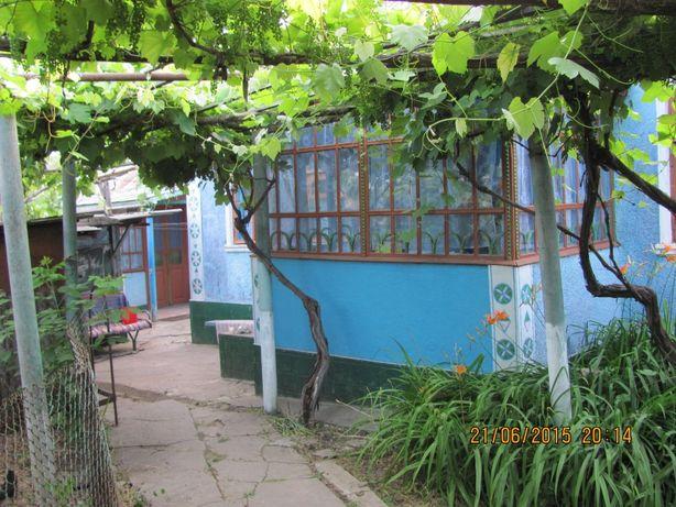 Продам 2 дома с участком 16 соток, пгт. Слободка, Одесская область.