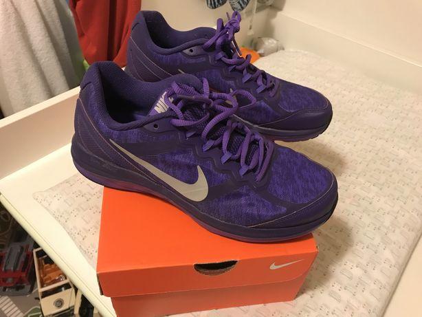 Ténis Nike tam. 41 novos