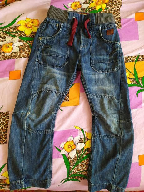 Фирменные джинсы на мальчика