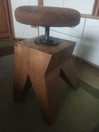 Taboret,krzesło z drzewa świerkowego ,obrotowy