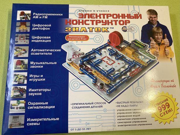 Электронный конструктор «ЗНАТОК » 999 схем!500