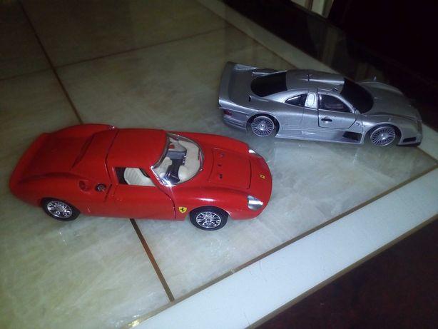 Ferrari 250 Le Mans 1965 Bburago 1:24, Mercedes CLK- GTR 1:26 Maisto.