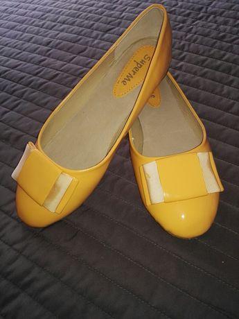 Sprzedam nowe buty baleriny r 40