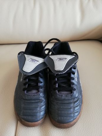 Czarne buty Reebok 33