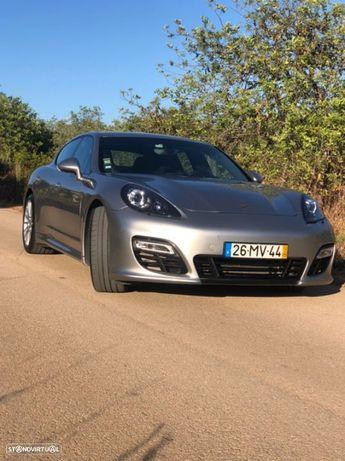 Porsche Panamera 4 GTS PDK
