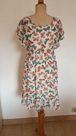 Sukienka Molly Bracken zwiewna w motyle