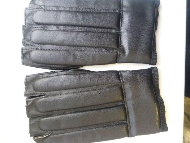 Продам перчатки. Перчатки для спорта. Боксерки.