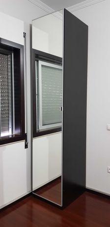 Roupeiros Ikea com espelho