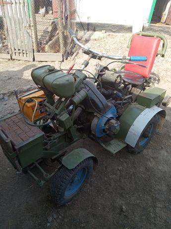 Міні трактор    .