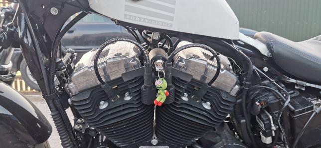 Relokacja stacyjki i cewki Harley Dawidson Sportster Forty-Eight