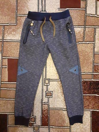 Спортивные штаны Grace 146р.