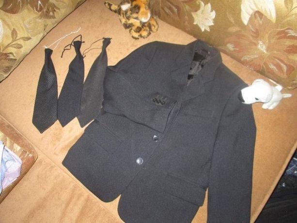Продам школьный пиджак на мальчика 2 - 5 класс