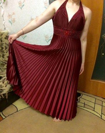 Платье вечернее, выпускное. Нарядное платье в пол. С плисеровкой