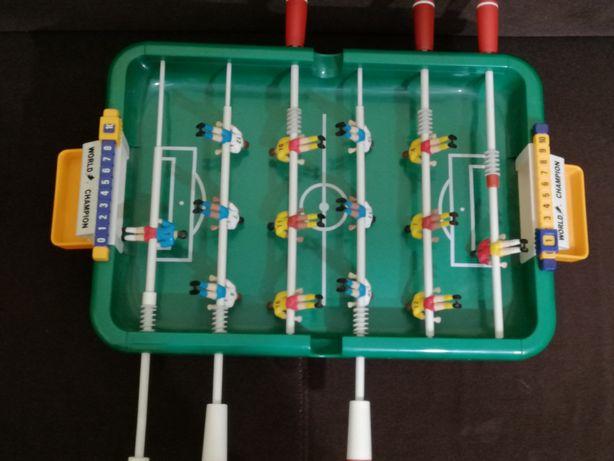 Piłkarzyki mini gra dla dzieci.