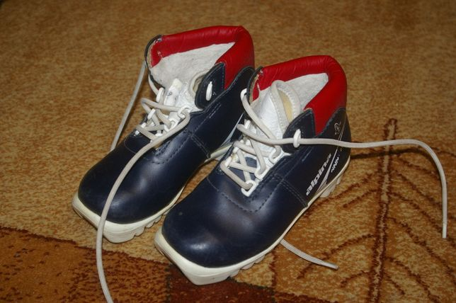 Buty do nart biegowych dla dziecka NNN r29 Alpina