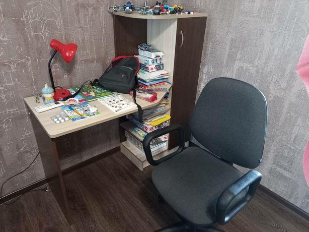 Компьютерный стол + стул