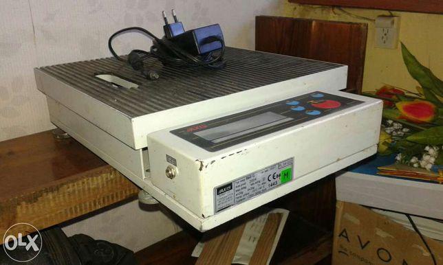 Sprzedam wage elektroniczna platformowa 60 kg.