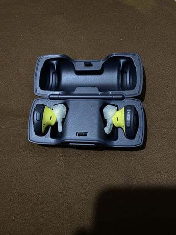 Auriculares Bluetooth True Wireless BOSE SoundSport Free (In Ear - Mic
