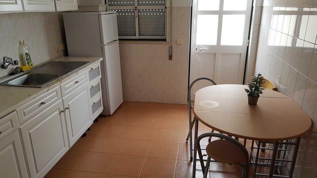 2 casas para arrendar (Azinhaga) - Feira de S. Martinho