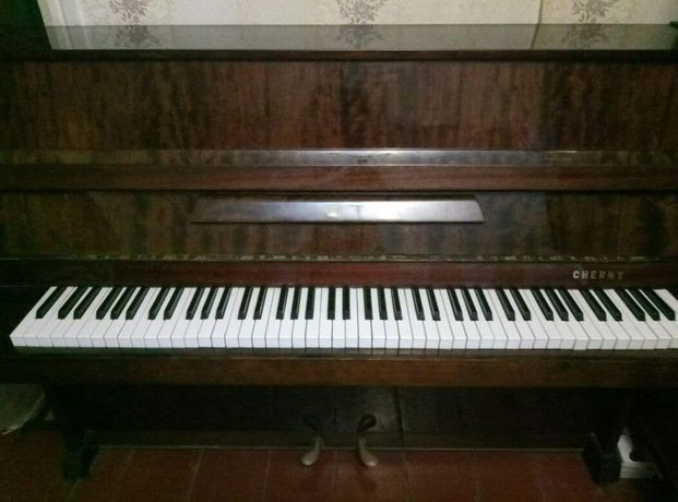 Продам пианино CHERNY