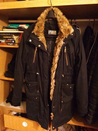 Czarna ciepła kurtka jesienno zimowa z futerkiem Urban Classic XL