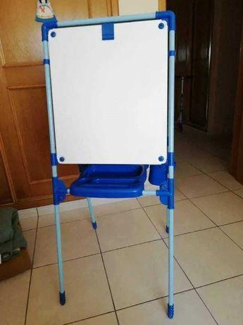Quadro duplo magnético (caneta e giz) desdobrável - 125cm por 54 cm