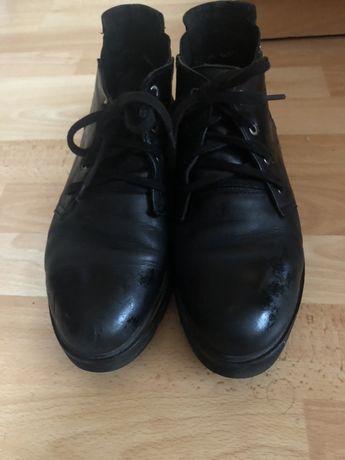Чоботи черевики чобітки