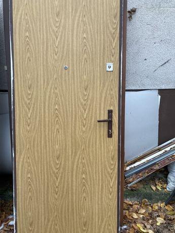 Drzwi metalowe lewe 80