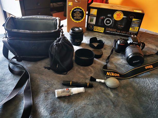 Nikon D 5600 kit 18-140 mm + Objectivo retrato 85 mm + Acessórios