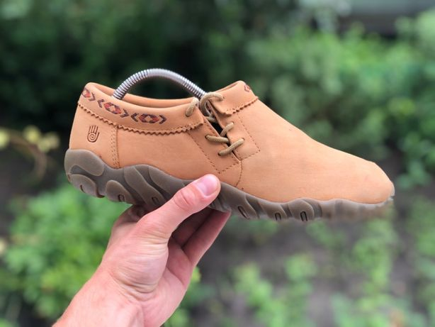 Teva демісезонні зимові шкіряні туфлі кросівки оригінал 41р