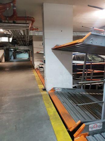 Tatrzańska 111 miejsce w garażu do wynajęcia