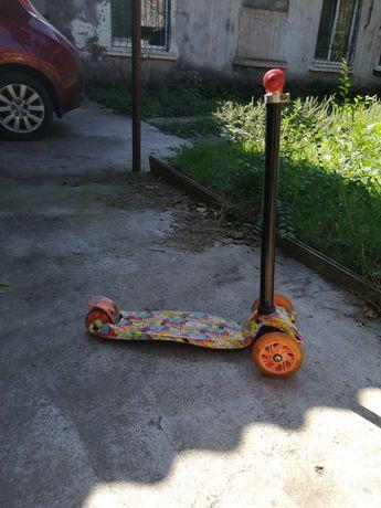 Самокат детский трёхколёсный