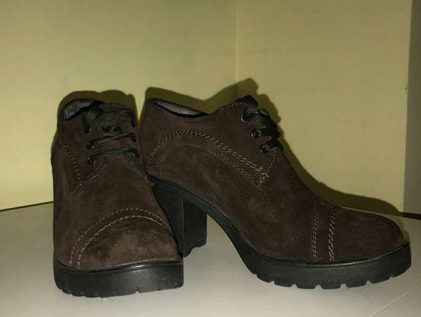 Продам ботинки женские, натуральная замша.