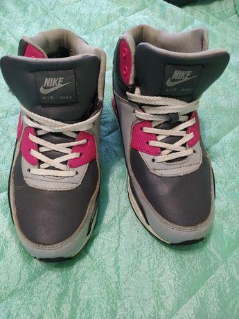 Зимние демисезонные теплые кроссовки Nike