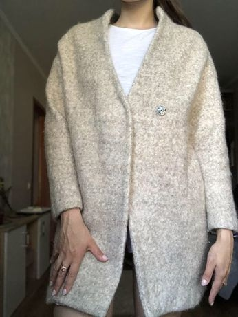 Пальто шкрстяное Zara