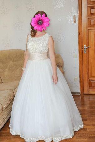 Продам свадебное платье Жемчужина Шампань