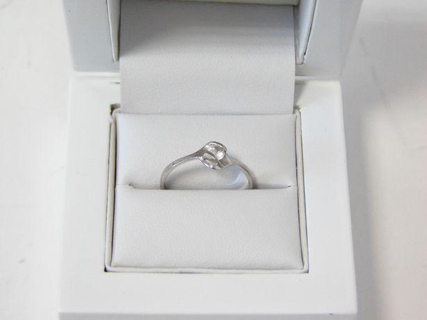 Śliczny srebrny pierścionek -925- R.16