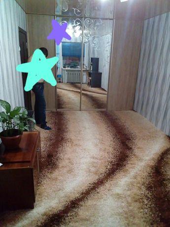Пушистий килим..