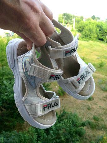 Обувь для девочки босоножки25-27,32мокассины