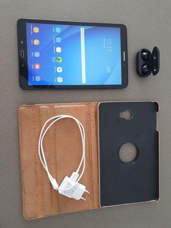Tablet Samsung Galaxy Tab A 10.1' 2016 + Auriculares Galaxy Buds