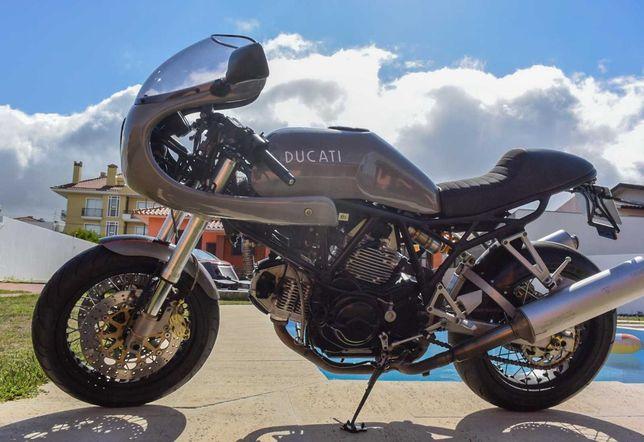 Moto Ducati 800 SS café racer