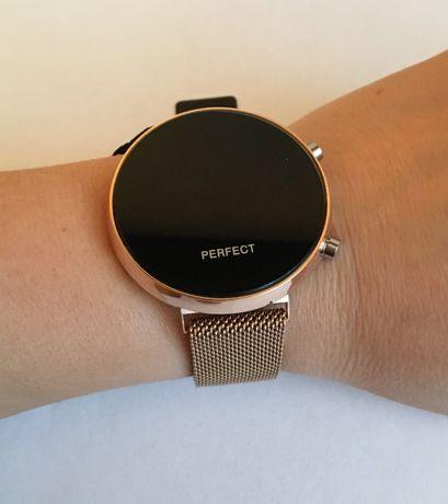 Zegarek damski Perfect cyfrowy złoty pasek magnez