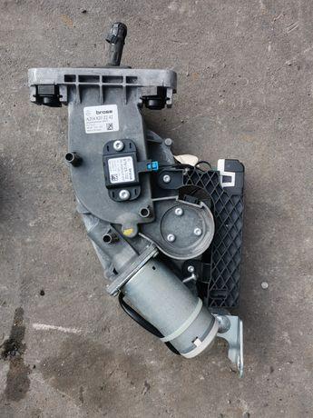 Mechanizm podnoszenia klapy tylnej kombi Mercedes W204 A204820.2242