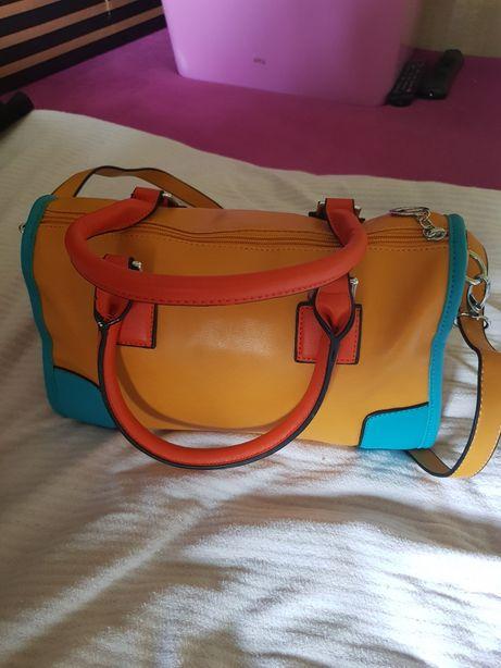 Nowa śliczna torebka do ręki i na ramie długi pasek odpinany