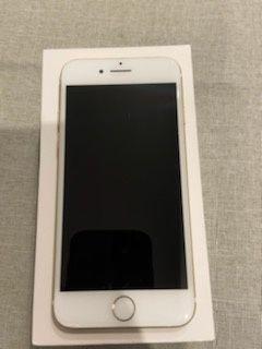 Iphone 7 32 GB koloru zlotego