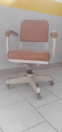Cadeira secretária antiga