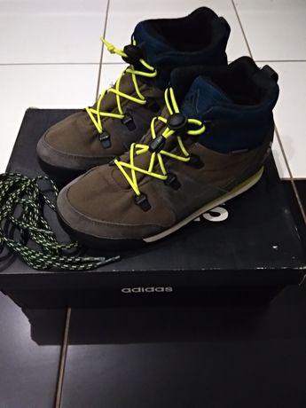 Продам кроссовки, ботинки Adidas
